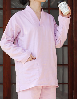 作務衣との重ね着でワンランク上のコーディネート