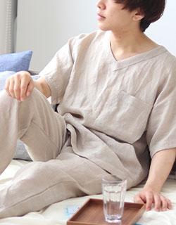 夏を快適に過ごす半袖Vネックパジャマ