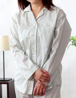 ガウンとあわせて着たい開襟パジャマ